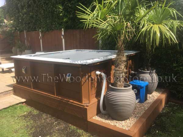 Pistoche wooden pool and Hot Splash Heat Pump